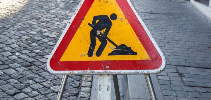 Roboty drogowe - znak drogowy